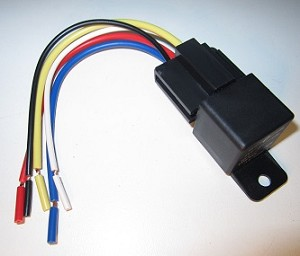 "30 Amp Automotive Relay with 6"" Socket & Pigtail (Plastic Tab)"